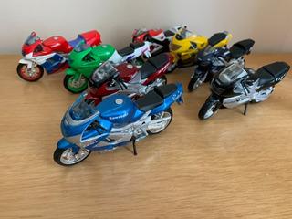 Kit Conjunto De Miniatura Motos Honda, Yamaha, Kawasaki 1/18