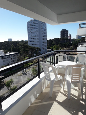 Apartamento En Excelente Ubic. Trasp. Bhu + Entrega
