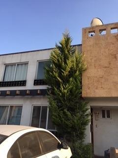 Casa En Privada, 3 Recámaras, 3 Baños, Estacionamiento.