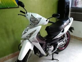 Moto Akt Flex 125.