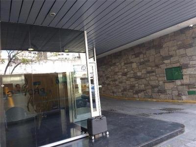 Oficina Céntrica Con 2 A 6 Cocheras En Alquiler 200m2, 400m2 Y 600m2