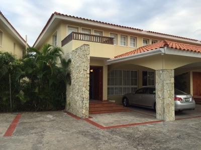 Townhouse En Juan Dolio 245.5m2 Metro C C $us325,000