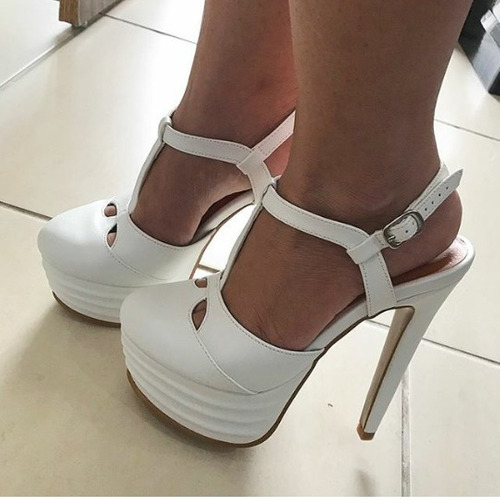 07664d4e62 Sapatos Femininos Scarpins Plataforma Coleção Noivas - R$ 255,00 em ...