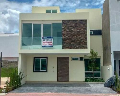 Casa Sola Residencial En Venta En Fraccionamiento Solares, Zapopan, Jalisco