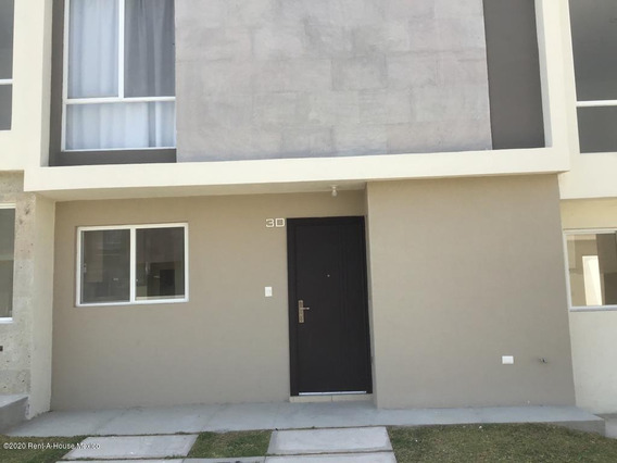 Casa En Renta En Zakia, El Marques, Rah-mx-20-2340