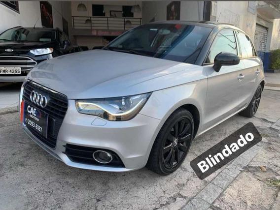 Audi A1 1.4 Top Com Teto Solar Blindado!!!
