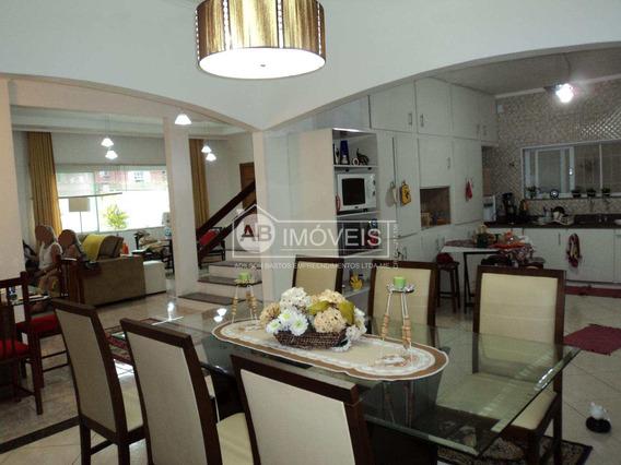Sobrado Com 3 Dorms, Vila Cascatinha, São Vicente - R$ 900 Mil, Cod: 2915 - V2915