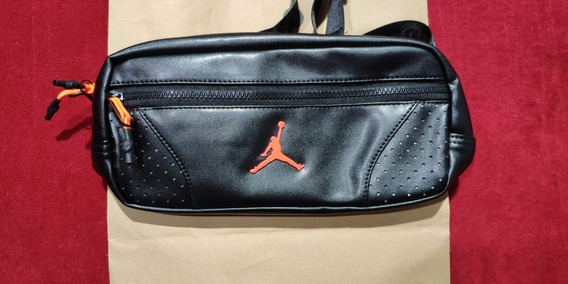 Riñonera Crossbody Jordan Retro 6 Black Unicas - En Stock