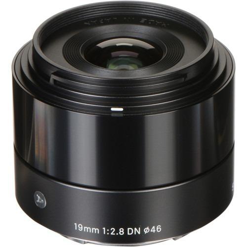 Lente Sigma 19mm F2.8 Dn Para Cameras Sony A (e-mount) Preto