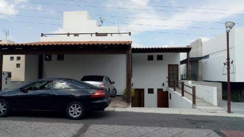 Casa En Venta En Colinas Del Bosque, Corregidora