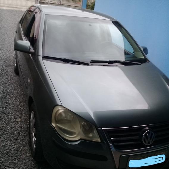 Volkswagen Polo Sedan 1.6 Vht Total Flex 4p