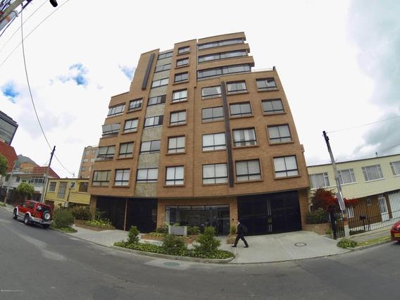 Rentahouse Vende Apartamento En Santa Barbara Mls 19-152