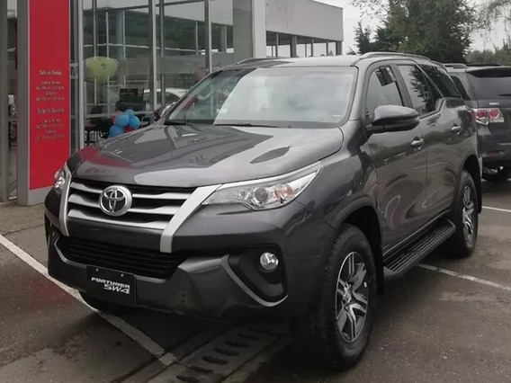 Toyota Fortuner Sw4 4x2 At 2.4 Diesel. Modelo 2020. Gris