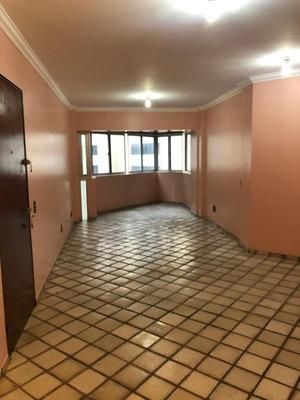 Espaçoso Apartamento No Coração Da Ponta Verde - Ap0468