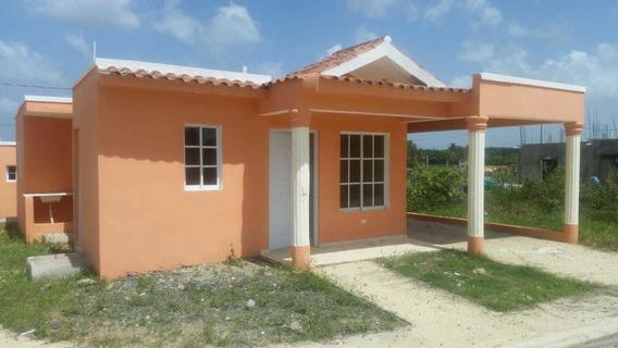 Casas Y Solares En Santo Domingo Cercano A Estación De Metro
