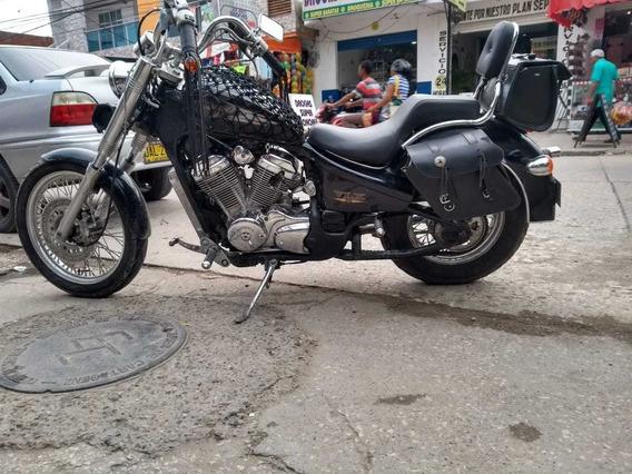 Moto Honda Shadow Vt600cd