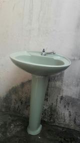 Vendo Duas Pias Para Banheiros Do Jeito Em Que Esta Na Foto