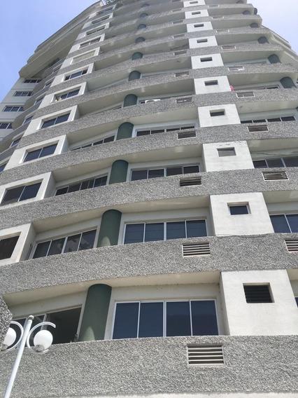 En Venta Apartamento En El Bosque, Valencia