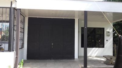 Se Vende Casa De 2 Pisos Barrio San Carlos