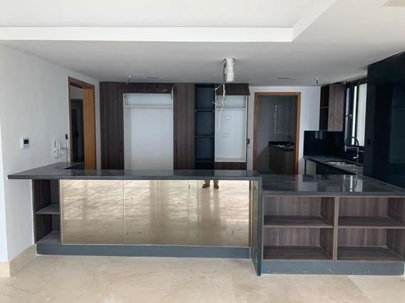 Hermoso Apartamento A Estrenar, Ubicado En El Area Mas Centrica De Santo Domingo