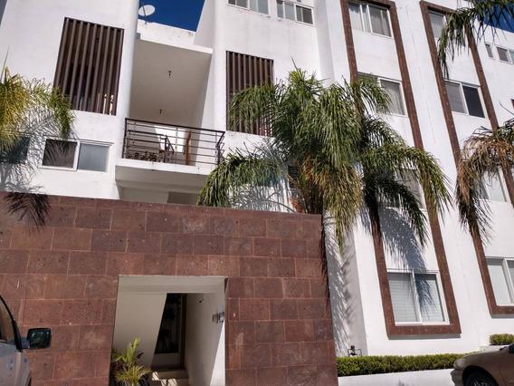 Casa Amueblada En Renta, Duplex De Dos Niveles. Juriquilla