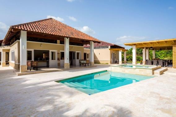 Venta De Hermosa Villa En Casa De Campo, La Romana