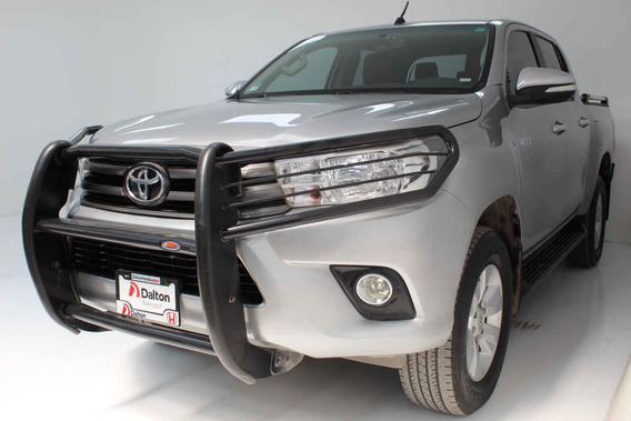 Toyota Hilux 2016 4p Doble Cabina Base L4/2.7 Man