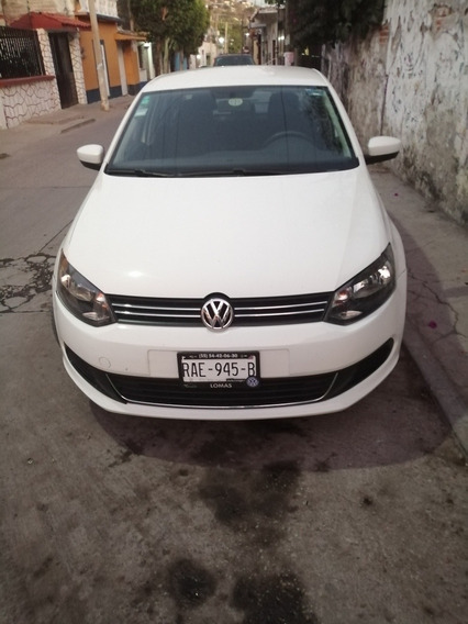 Volkswagen Vento 1.6 Active At 2014