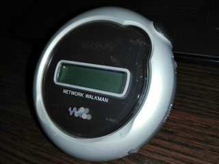 Sony Walkman 1gb Mp3 Player Nw-e107 Plateado Usado