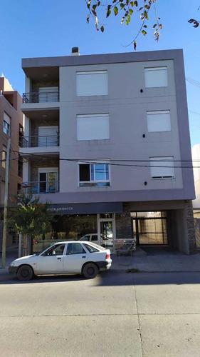 Departamento 1 Dormitorio Con Cochera Urquiza 674 Dueño