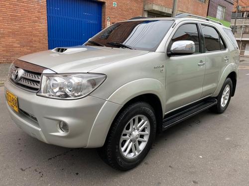 Toyota Fortuner 3.0 Diesel 4x4 Srv