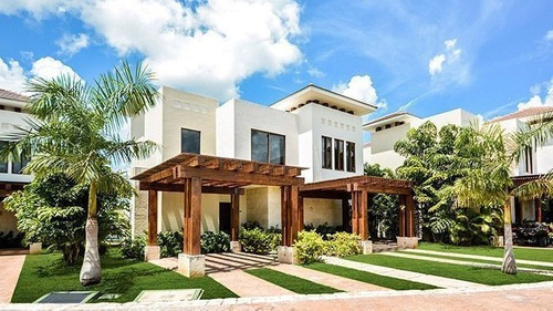 Casa En Yucatán Country Club, Mérida