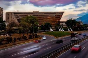 Venta De Excelente Oficina En Chuao / Ac 20-10428