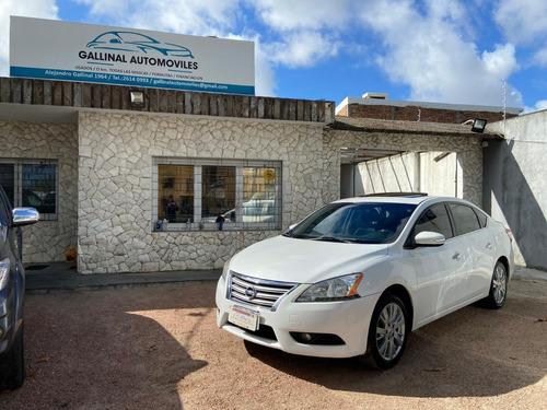 Nissan Sentra Exclusive - Extra Full - Permuto Financio