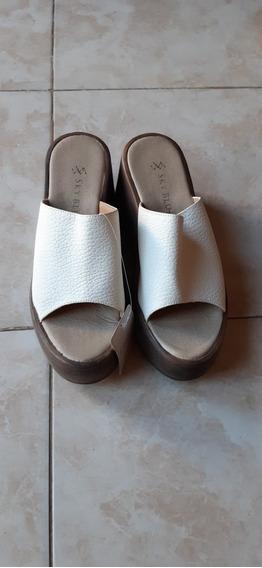 Sandalias Blancas Con Plataforma Nuevas!!