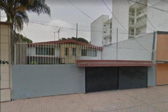 Remate, Casa 3 Recamaras En Coyoacán
