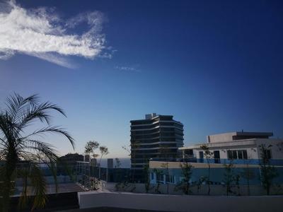 Apartamento De Lujo En Piso Alto 2hab C/ Vistas Al Mar!