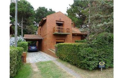 Se Vende Hermosa Casa En Pinamar 5 Cuadras De La Playa