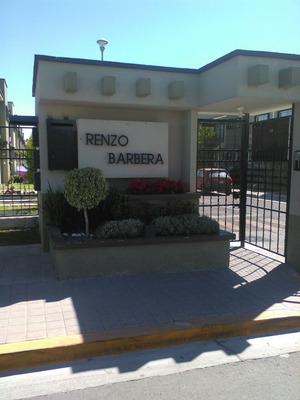 Casa De 3 Recamaras 1.5 Baños Estacionamiento C.cerrada