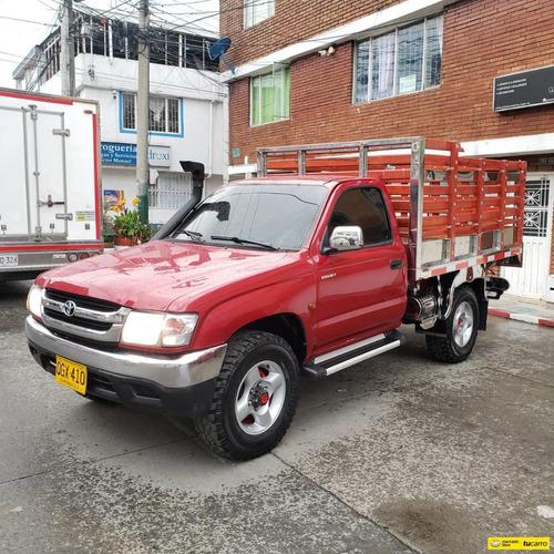 Toyota Hilux Mt 2.4 4x4 Estacas