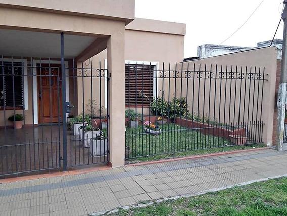 Casa Venta 2 Dormitorios , 2 Baños Y Cochera Cubierta - Zona Club Náutico Ensenada