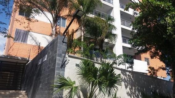 Apartamento En Venta Nueva Segovia Barquisimeto 20-119 F&m