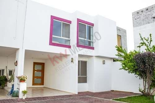 Casa En Venta En Garita De Jalisco, San Luis Potosí, Dentro De Privada. $1,700,000
