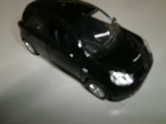 Miniatura Nissan Marchi Escala 1:32