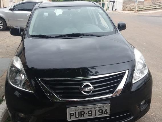 Versa - Nissan Preto - Único Dono