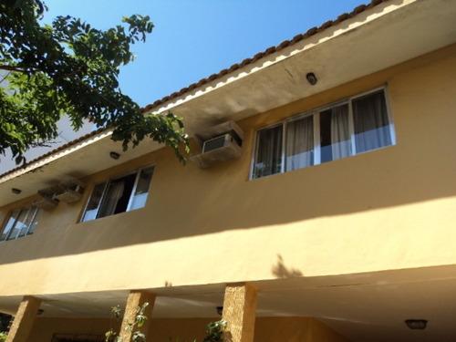 Casa Para Aluguel, 5 Dormitórios, Cavaleiros - Macaé - 1088