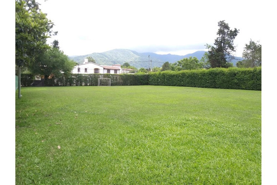 San Lorenzo - Terreno Parquizado - 1805 M2