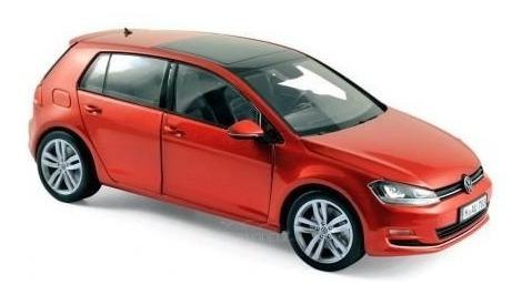 Miniatura Carro Norev Volkswagen Golf - 2013 - Escala 1/18 -