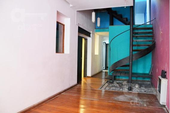 Casa En La Mejor Zona De Palermo. Oportunidad En Pasaje Emblemático.