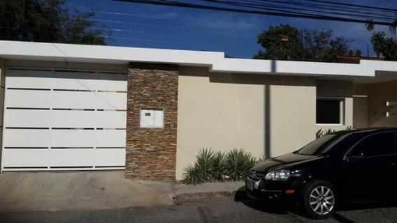 Casa-quinta Ubicada En La Urb La Floresta Maracay, Aragua
